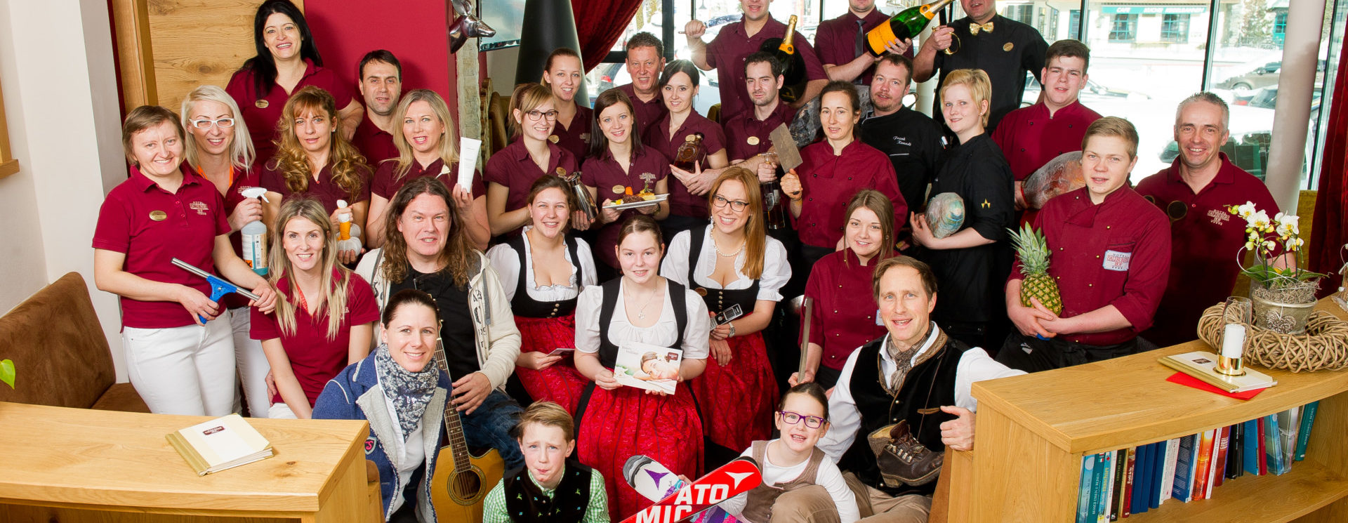 Gastgeber Urlaubsspezialisten Mitarbeiter Team Salzburgerhof Zauchensee