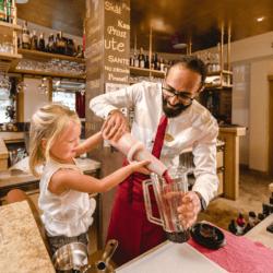 Familienurlaub-bar-hotel-salzburger-hof-zauchensee4