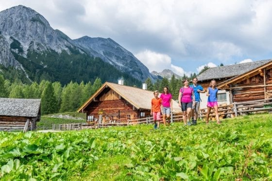 altenmarkt-zauchensee-sommer-tauernkarleitenalm-wandern