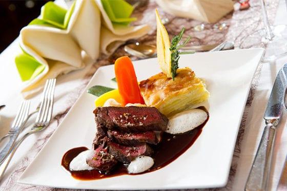 Kulinarik - Firmenweihnachtsfeiern in der Pionier-Zirbenstube im Hotel Salzburger Hof