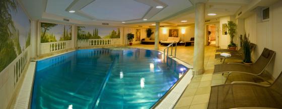 Hallenbad & Whirlpool im Hotel Salzburger Hof - Zauchensee