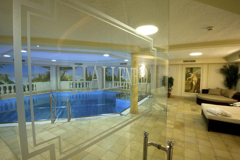 Whirlpool indoor  Indoor pool & hot tub - 4*S Hotel, Zauchensee, Salzburg