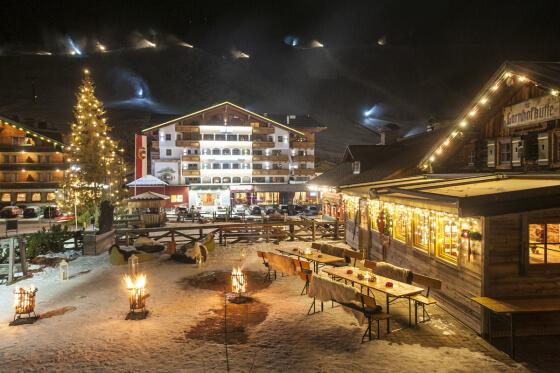 Skifahren & Snowboarden im Skigebiet Zauchensee, Salzburger Hof direkt an der Piste