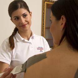 Massagen & Behandlungen im SKY SPA